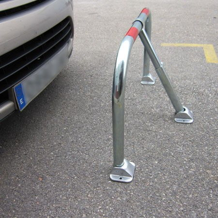 Barrera abatible parking 3 bases con llave