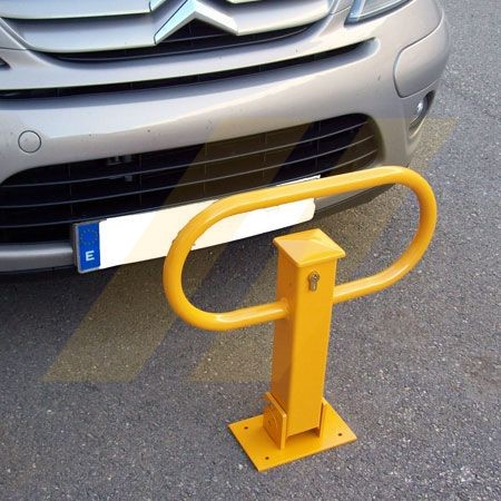Barrera abatible con cerradura para parking